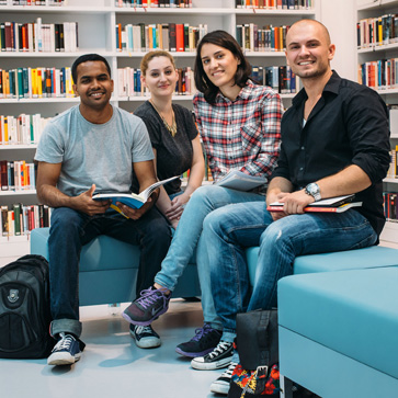 Students in Stuttgart, photo: martinlorenz.net